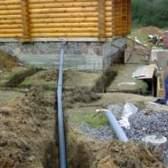 Як правильно прокласти каналізаційну трубу в приватному будинку?
