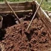 Як прискорити розкладання компосту?
