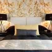Як вибрати і скомбінувати шпалери для спальні