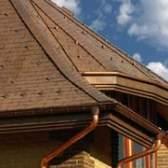 Монтаж водостоків для даху своїми руками на дачі і в приватному будинку