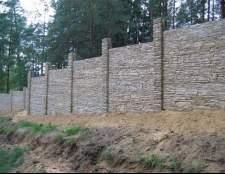 Як правильно бетонувати стовпи для забору?